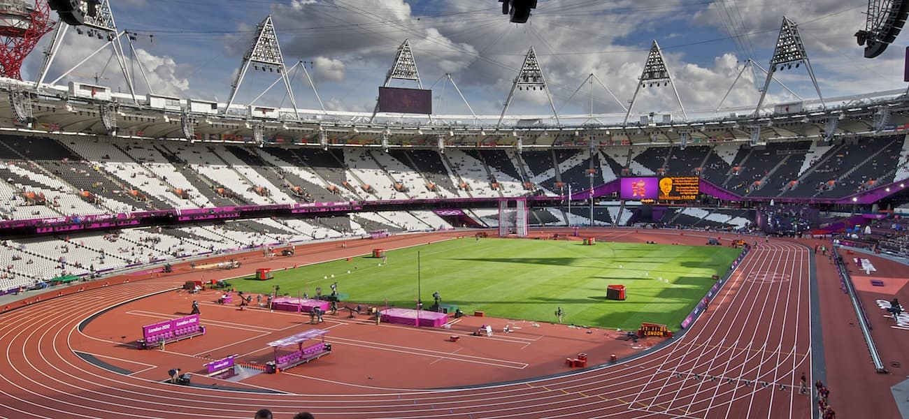 Olympic_Stadium_London_8_August_2012.jpg