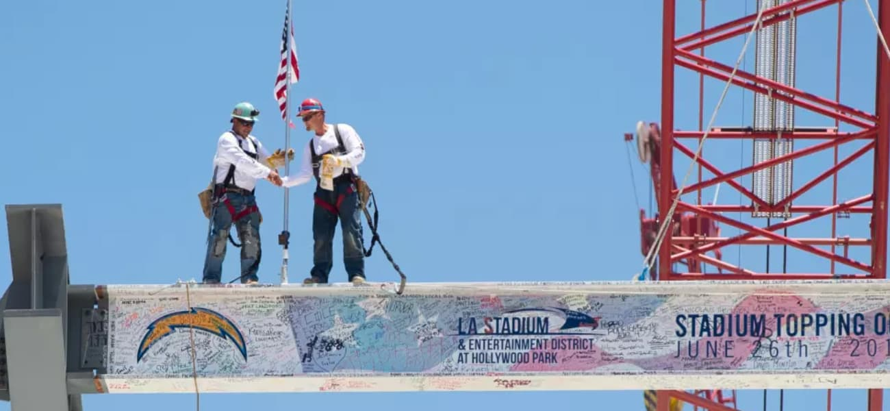 LA-Stadium-Topping-Out